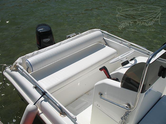 Elba noleggio barche Arkos 507 cuscino di poppa