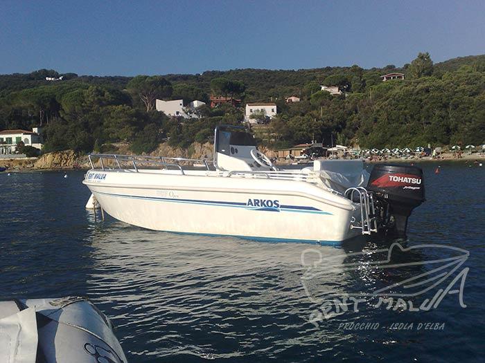 Elba noleggio barche Arkos 507 ormeggiata alla Guardiola