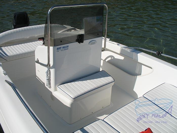 Elba noleggio barca arkos 537 console di guida centrale