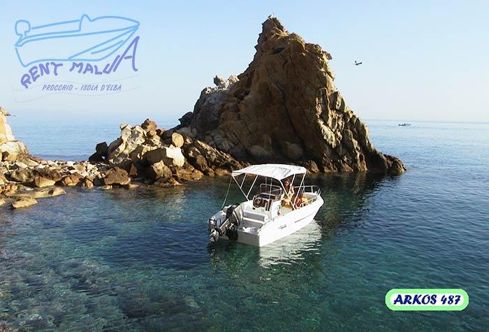 Elba noleggio barche Arkos 487 e il Faraglione degli Argonauti