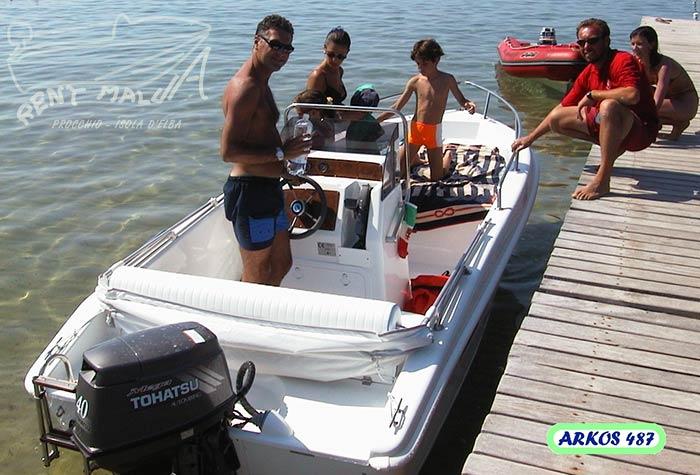 Elba noleggio barche Arkos 487 ormeggiata a Procchio
