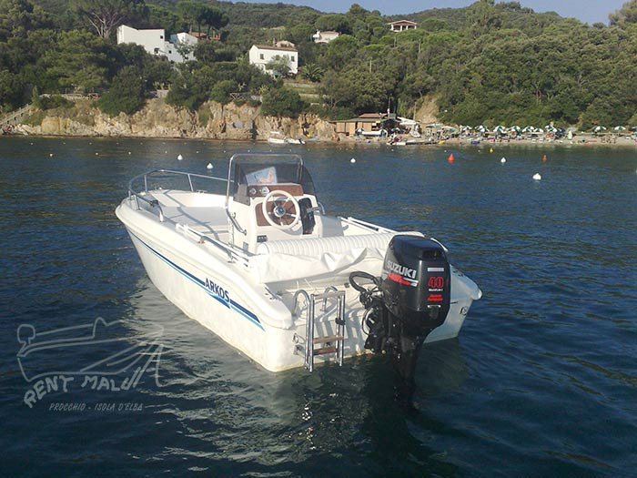Elba noleggio barche Arkos 487 ormeggiata su boa